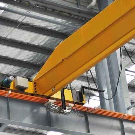 起重机应用橡胶和塑料制品行业工程案例