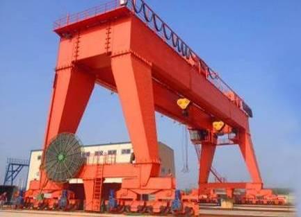 中国一重800t门式起重机