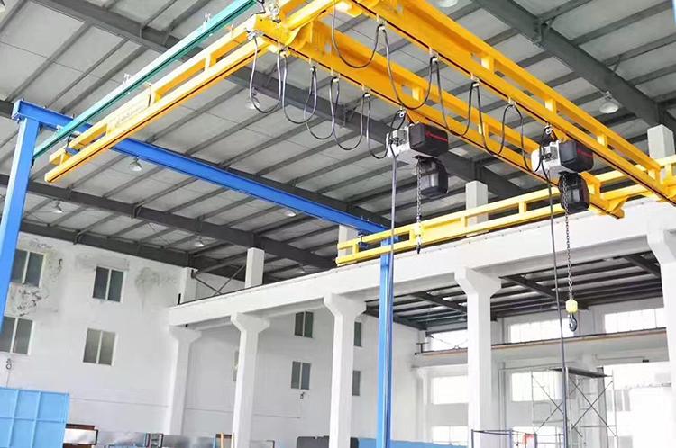 500kg刚性轨道自立组合起重机安装工程案例